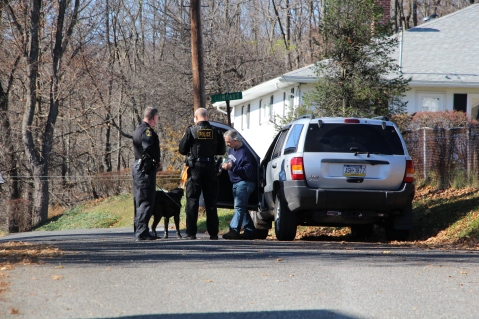 Hit And Run Investigated, Rowe Street, North Lehigh Street, Tamaqua, 11-16-2015 (15)