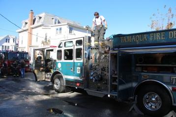 House Fire, 208 Biddle Street, Tamaqua, 11-4-2015 (32)
