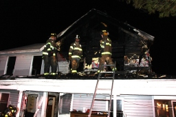 House Fire, 252 Hillside Drive, Barnesville, 11-22-2015 (113)
