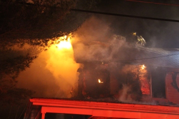 House Fire, 252 Hillside Drive, Barnesville, 11-22-2015 (13)