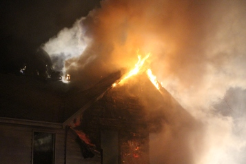 House Fire, 252 Hillside Drive, Barnesville, 11-22-2015 (15)