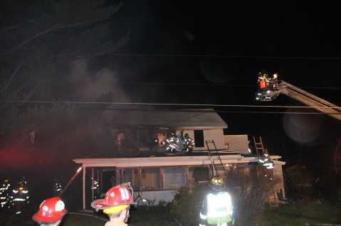 House Fire, 252 Hillside Drive, Barnesville, 11-22-2015, from Coal Region Barrett (24)