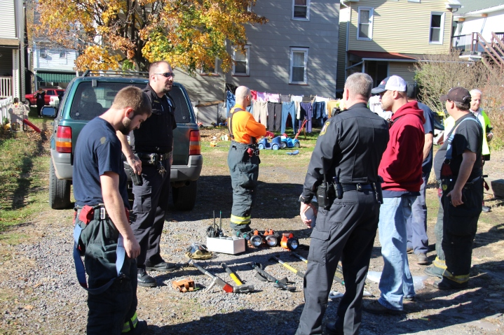 Lowlife Steal $13,000 Worth of Equipment from Firefighters on Scene of Fire in Tamaqua (25)