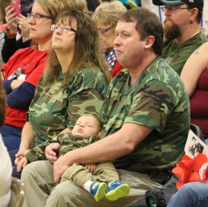 Mom, Dad, Son, Veterans Day Program, Tamaqua Area Elementary School, Tamaqua, 11-11-2015 (5)