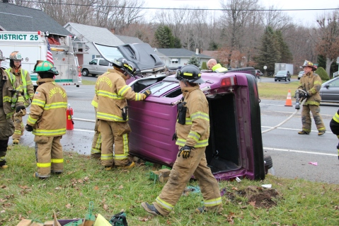 Overturned Vehicle, SR309, Hometown, 11-28-2015 (14)