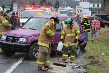 Overturned Vehicle, SR309, Hometown, 11-28-2015 (27)