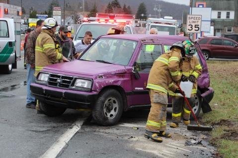 Overturned Vehicle, SR309, Hometown, 11-28-2015 (28)