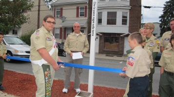 Peace Pole Dedication, Tamaqua Boy Scout, Train Station lot, Tamaqua, 9-21-2015 (16)