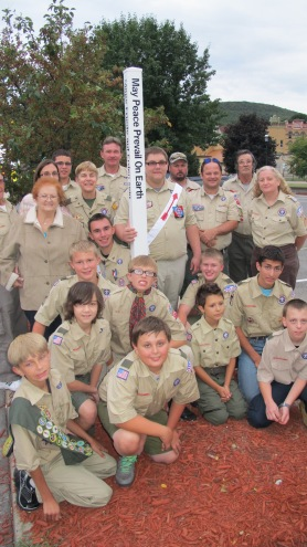 Peace Pole Dedication, Tamaqua Boy Scout, Train Station lot, Tamaqua, 9-21-2015 (20)