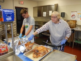 Preparing 25 Thanksgiving Day Turkeys, Salvation Army, Tamaqua, 11-23-2015 (2)