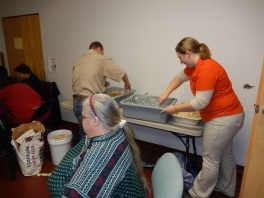 Preparing 25 Thanksgiving Day Turkeys, Salvation Army, Tamaqua, 11-23-2015 (5)