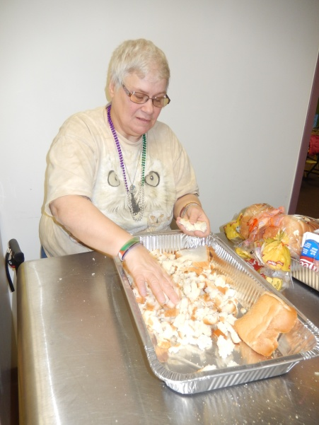 Preparing 25 Thanksgiving Day Turkeys, Salvation Army, Tamaqua, 11-23-2015 (7)