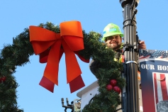 Putting Up 70 Or So Christmas Decorations, Street Department, Downtown Tamaqua, 11-25-2015 (15)