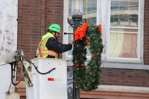 Putting Up 70 Or So Christmas Decorations, Street Department, Downtown Tamaqua, 11-25-2015 (25)