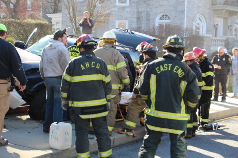 Single Vehicle Accident, 518 East Broad Street, Tamaqua, 11-30-2015 (12)