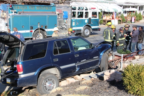 Single Vehicle Accident, 518 East Broad Street, Tamaqua, 11-30-2015 (20)