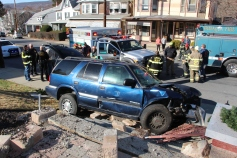 Single Vehicle Accident, 518 East Broad Street, Tamaqua, 11-30-2015 (27)