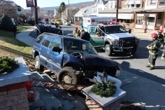 Single Vehicle Accident, 518 East Broad Street, Tamaqua, 11-30-2015 (35)