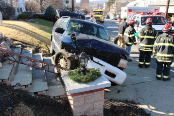Single Vehicle Accident, 518 East Broad Street, Tamaqua, 11-30-2015 (43)