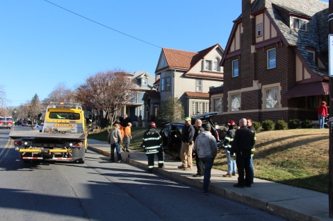 Single Vehicle Accident, 518 East Broad Street, Tamaqua, 11-30-2015 (53)