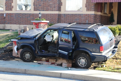 Single Vehicle Accident, 518 East Broad Street, Tamaqua, 11-30-2015 (56)