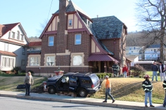 Single Vehicle Accident, 518 East Broad Street, Tamaqua, 11-30-2015 (57)