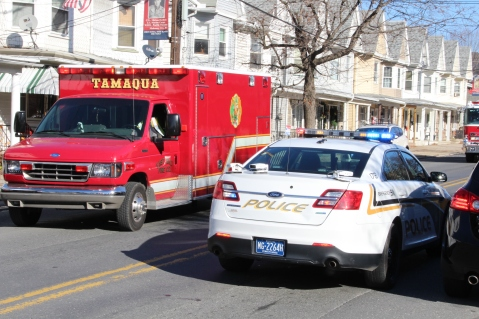 Single Vehicle Accident, 518 East Broad Street, Tamaqua, 11-30-2015 (9)