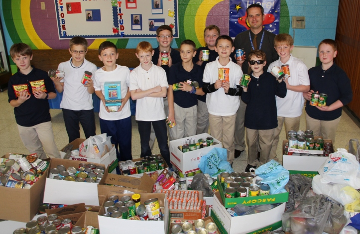 Students, Staff Collect Food Items for Salvation Army, Tamaqua Elementary School, Tamaqua, 11-20-2015 (1)