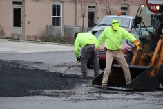 Tamaqua, Borough Street Department, Fixing Roads, Tamaqua, 11-18-2015 (3)