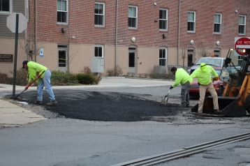 Tamaqua, Borough Street Department, Fixing Roads, Tamaqua, 11-18-2015 (4)