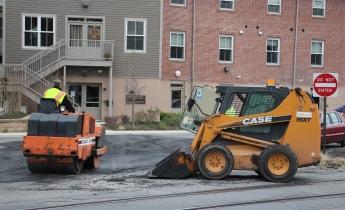 Tamaqua, Borough Street Department, Fixing Roads, Tamaqua, 11-18-2015 (6)