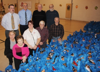Tamaqua Rotary Club Sort Hundreds of Food Donations, Salvation Army, Tamaqua (5)