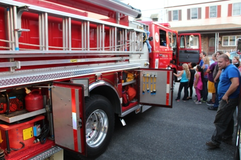 Tamaqua Salvation Army Youth Group Visits South Ward Fire Company, Tamaqua, 10-8-2015 (20)