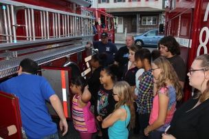 Tamaqua Salvation Army Youth Group Visits South Ward Fire Company, Tamaqua, 10-8-2015 (26)