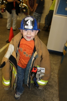 Tamaqua Salvation Army Youth Group Visits South Ward Fire Company, Tamaqua, 10-8-2015 (31)
