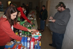 Tamaqua Troop, Pack, 777, Collecting, Sorting, Donations, Salvation Army, Tamaqua, 11-14-2015 (21)