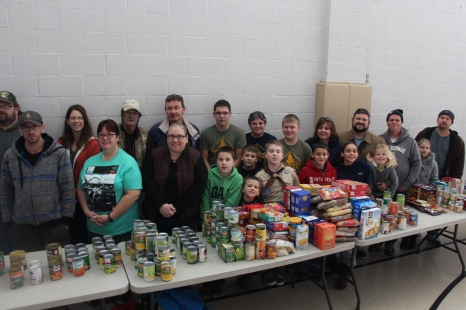 Tamaqua Troop, Pack, 777, Collecting, Sorting, Donations, Salvation Army, Tamaqua, 11-14-2015 (9)