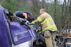 Tractor Trailer Overturns, US209, SR93, Nesquehoning, 11-5-2015 (15)