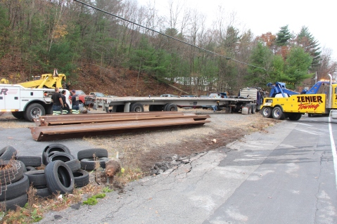 Tractor Trailer Overturns, US209, SR93, Nesquehoning, 11-5-2015 (39)