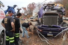Tractor Trailer Overturns, US209, SR93, Nesquehoning, 11-5-2015 (54)