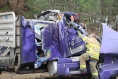 Tractor Trailer Overturns, US209, SR93, Nesquehoning, 11-5-2015 (6)