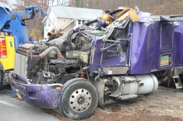 Tractor Trailer Overturns, US209, SR93, Nesquehoning, 11-5-2015 (62)