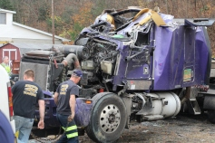 Tractor Trailer Overturns, US209, SR93, Nesquehoning, 11-5-2015 (67)