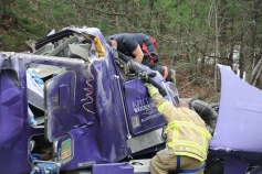 Tractor Trailer Overturns, US209, SR93, Nesquehoning, 11-5-2015 (7)