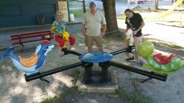 Volunteers Painting, Rocker, North & Middle Ward Playground, Tamaqua, 9-23-2015 (3)