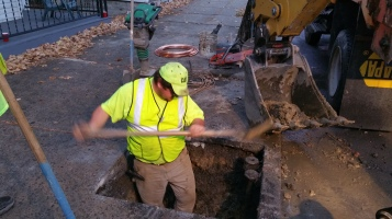 Water Department Repairing Service Line, 200 block of East Broad Street, Tamaqua, 11-6-2015 (13)