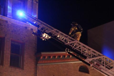 Apartment Building Fire, 45 West Broad Street, Tamaqua, 12-19-2015 (124)