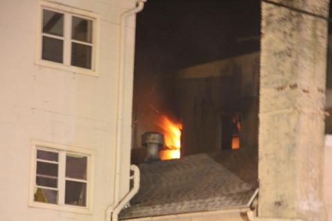 Apartment Building Fire, 45 West Broad Street, Tamaqua, 12-19-2015 (30)