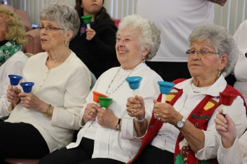 Bells, Older and Bolder Senior Group, via Tamaqua Salvation Army, at ABC Hi-Rise, Tamaqua, 11-30-20 (12)