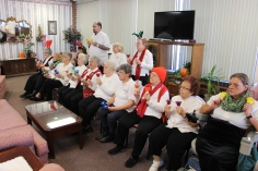 Bells, Older and Bolder Senior Group, via Tamaqua Salvation Army, at ABC Hi-Rise, Tamaqua, 11-30-20 (4)